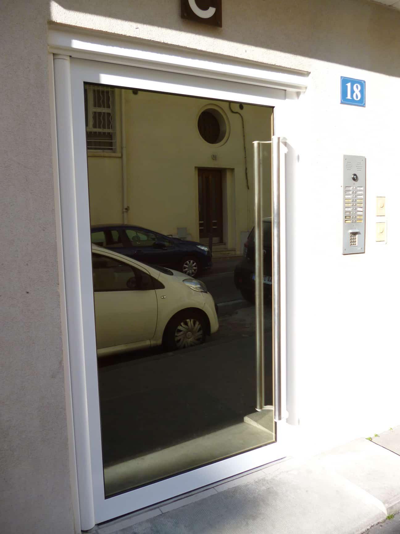 Portes d'immeuble acier laqué