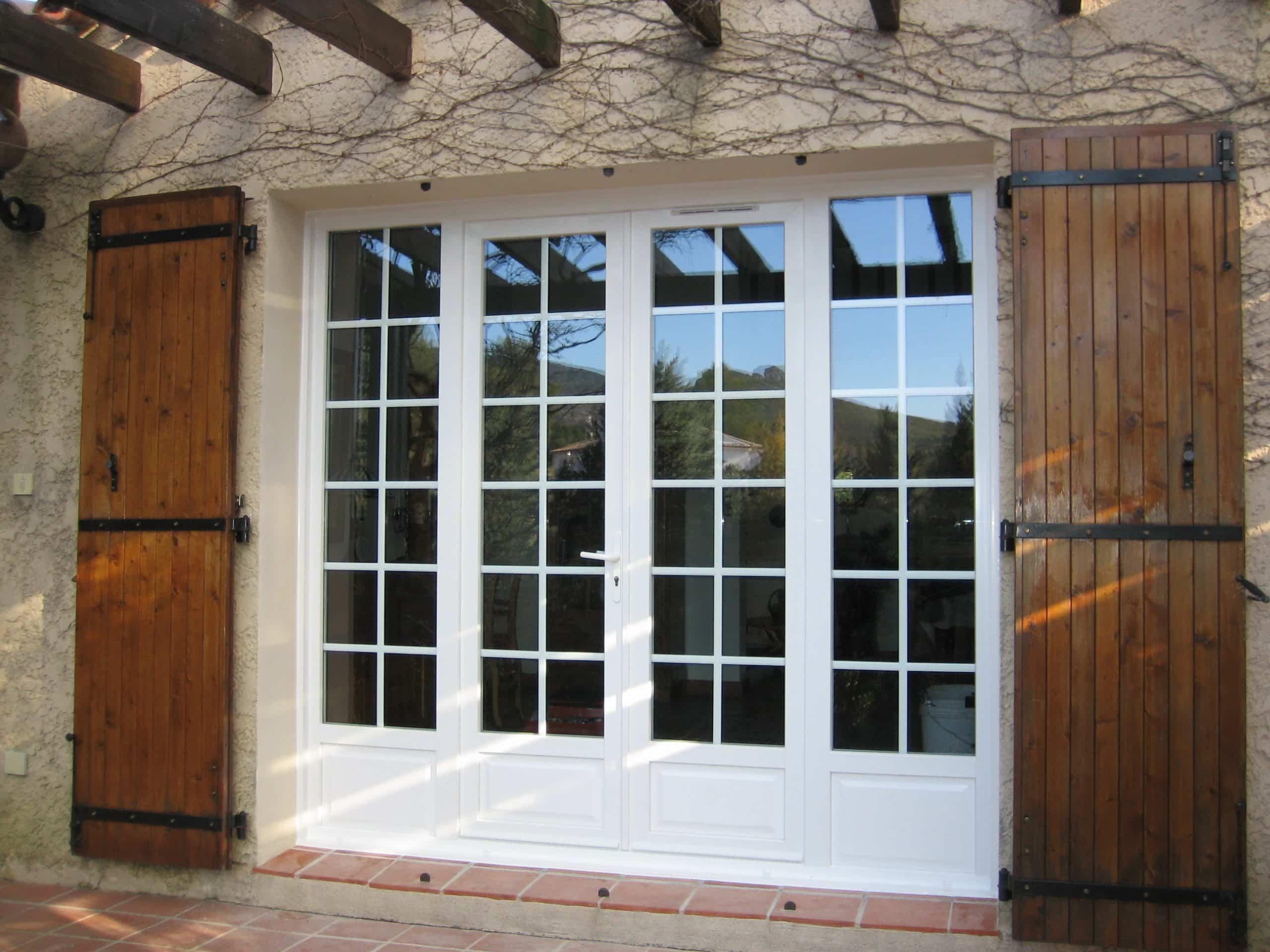 Porte-fenêtre multivantaux PVC