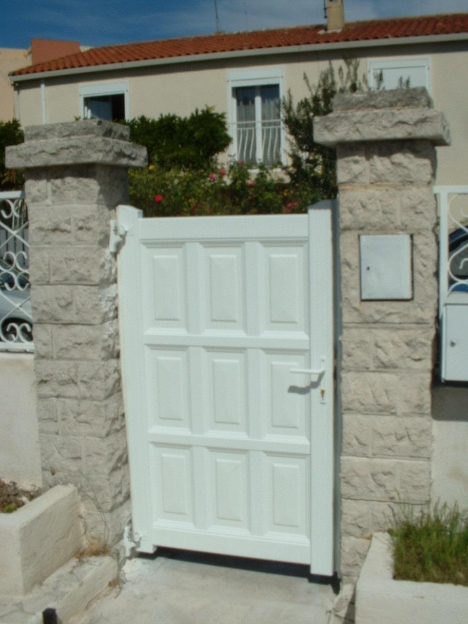 Portail porte battant aluminium alu technic habitat - Portail battant 1 porte ...