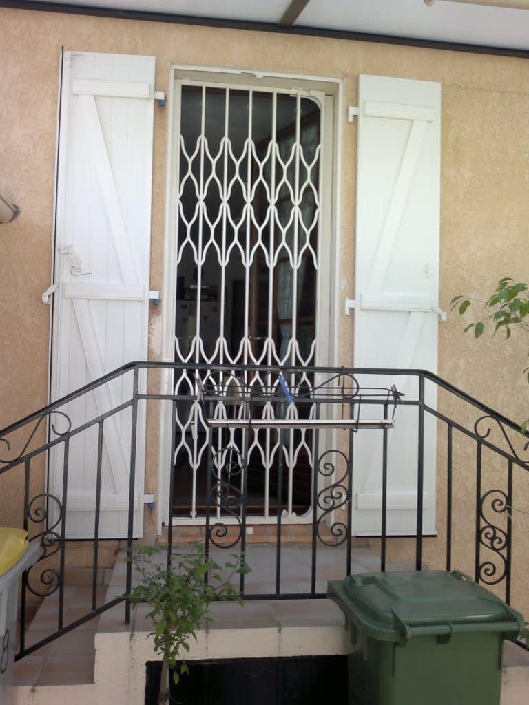 grille extensible acier laqu blanc marseille technic habitat. Black Bedroom Furniture Sets. Home Design Ideas